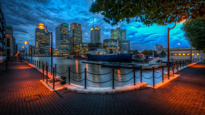 beautiful-city-waterfront-at-night-hdr-323829