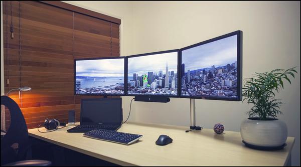 multi-monitor-gaming-setup-(16)