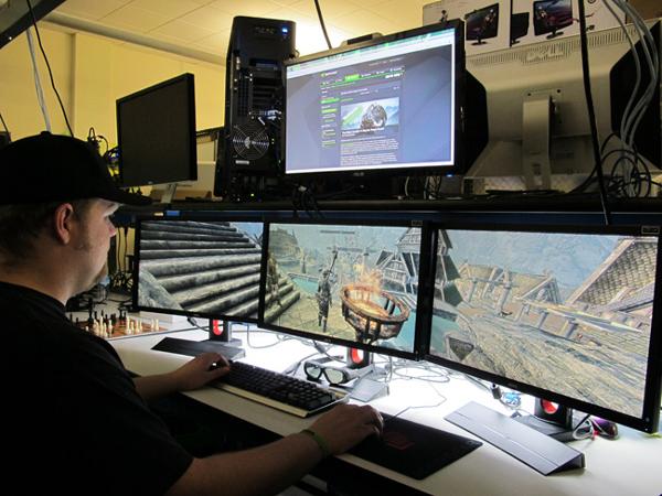 multi-monitor-gaming-setup-(30)