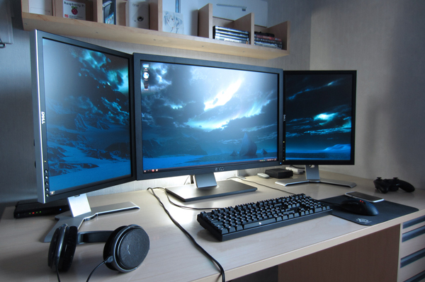 multi-monitor-gaming-setup-(43)