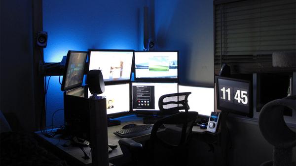 multi-monitor-gaming-setup-(9)