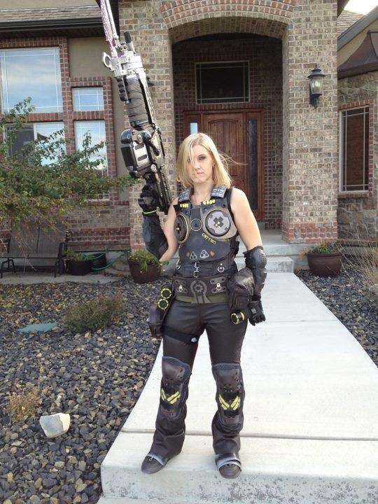 cosplay-anyastroud-gearsofwar4-costume
